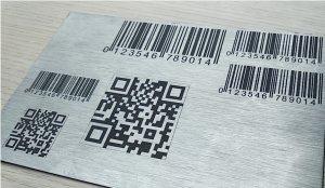 In khắc laser mã vạch, mã QR code lên Kim Loại inox đồng nhôm sắt thép, gỗ, mica nhựa, da theo yêu cầu giá rẻ