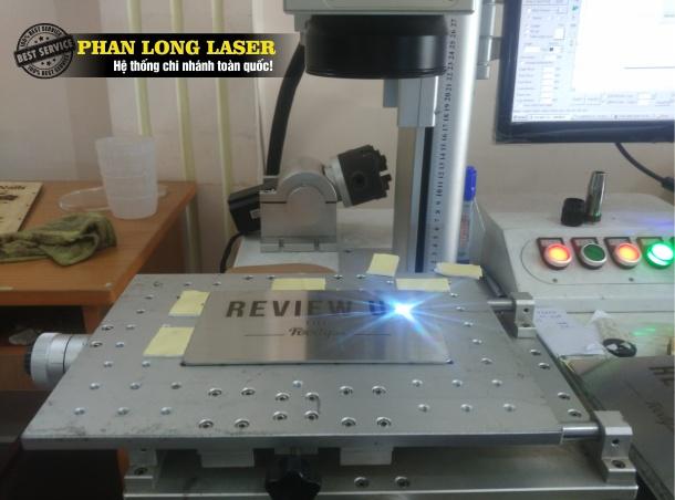 Điêu Khắc chữ, khắc hình, khắc logo, khắc hoa văn, khắc thư pháp trên kim loại bằng Laser tại Đà Nẵng