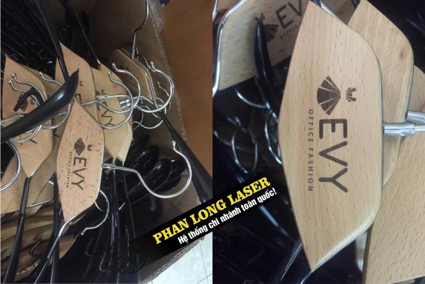 Địa chỉ khắc laser lên móc áo gỗ tại Tp Hồ Chí Minh, Sài Gòn, Đà Nẵng, Hà Nội và Cần Thơ