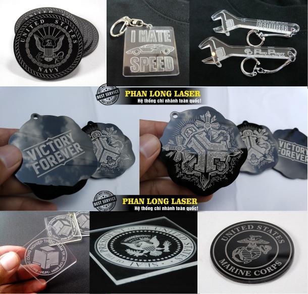 Xưởng gia công sản xuất móc khóa mica, khắc laser theo yêu cầu lên móc khóa mica lấy ngay lấy liền giá rẻ