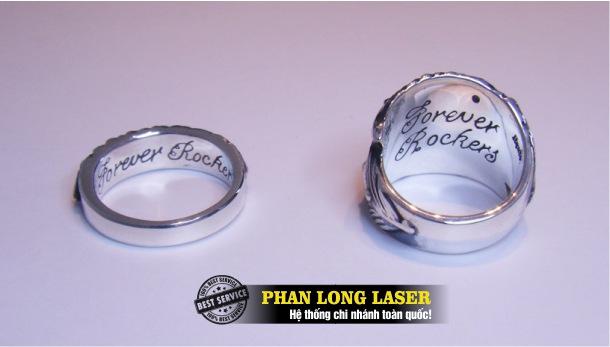 Địa chỉ chuyên nhận khắc laser theo yêu cầu lên nhẫn cưới, nhẫn vàng, nhẫn bạc giá rẻ