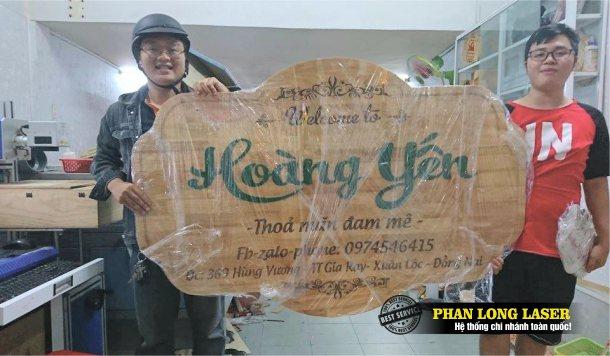 Biển bảng quảng cáo bằng gỗ tên shop tên cửa hàng cho khách hàng tại Đồng Nai làm bảng vẫy, biển quảng cáo vẫy treo tường