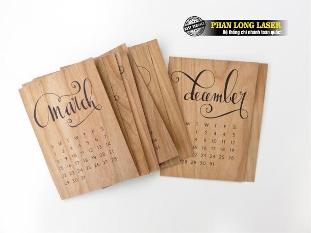 Địa chỉ nhận thiết kế các sản phẩm lịch gỗ khắc laser theo yêu cầu