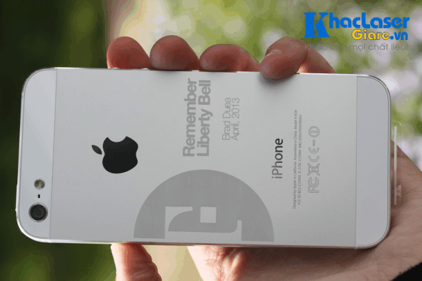 Khắc Iphone giá rẻ tại Bình Thạnh TpHCM Sài Gòn