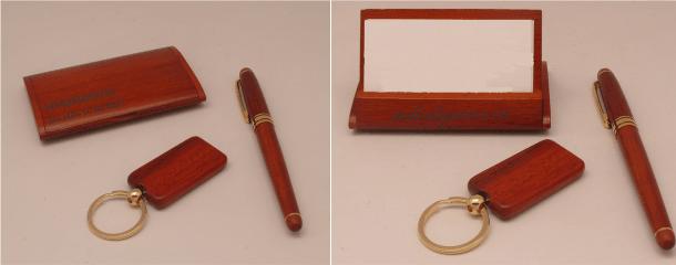 Sản xuất hộp đựng name card, danh thiếp bằng gỗ cho khách hàng tại Hà Nội