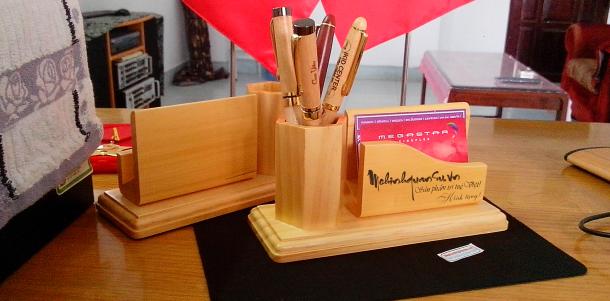 Làm hộp đựng viết để bàn bằng gỗ tại Sài Gòn